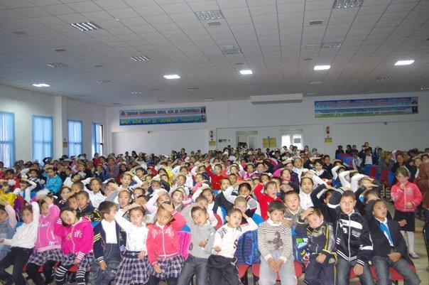 I bambini che meditano costruiranno un mondo senza violenza ed egoismo